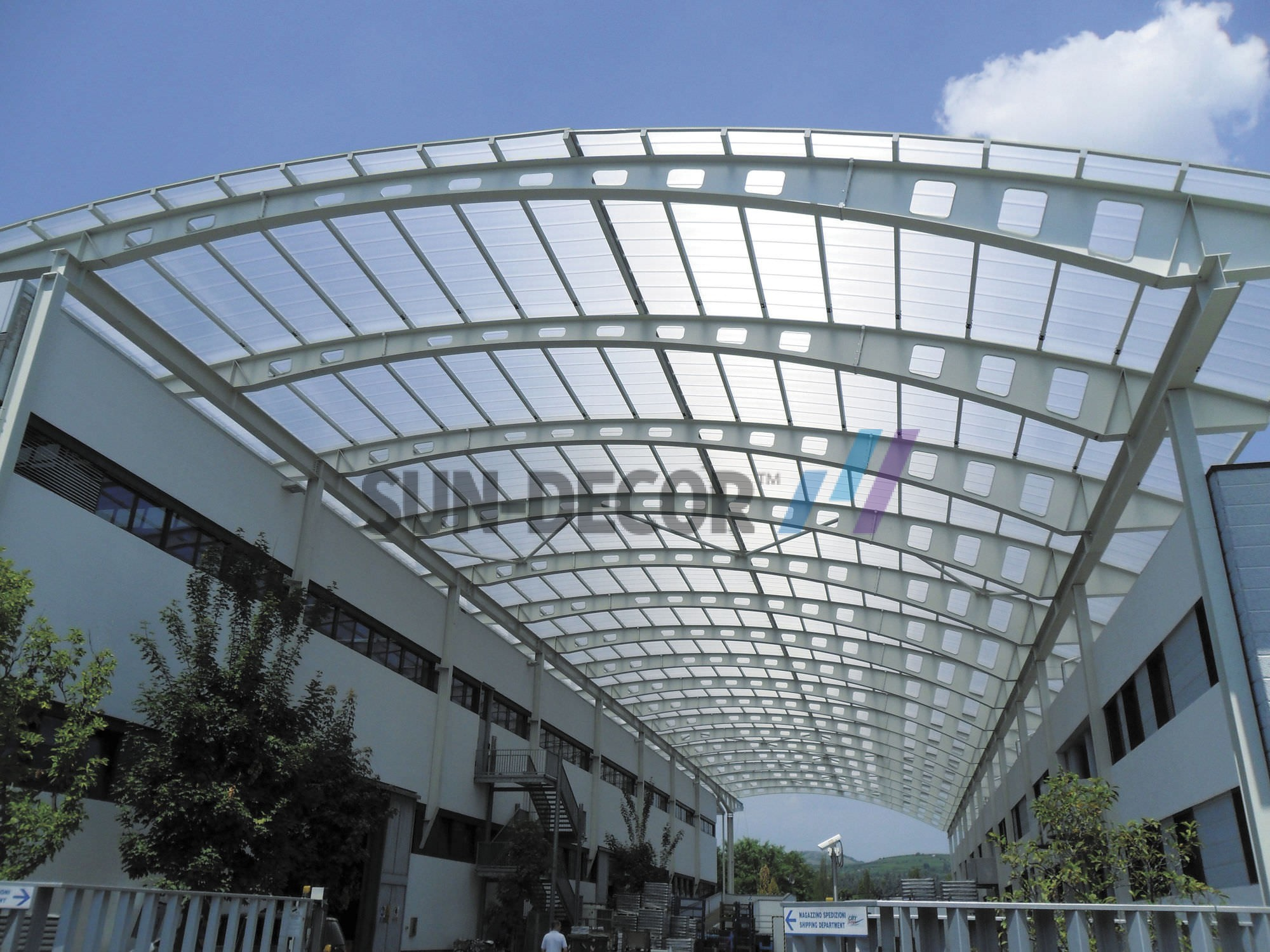 POLYCARBONATE-SHEETS-USED-AS-SKYLIGHT